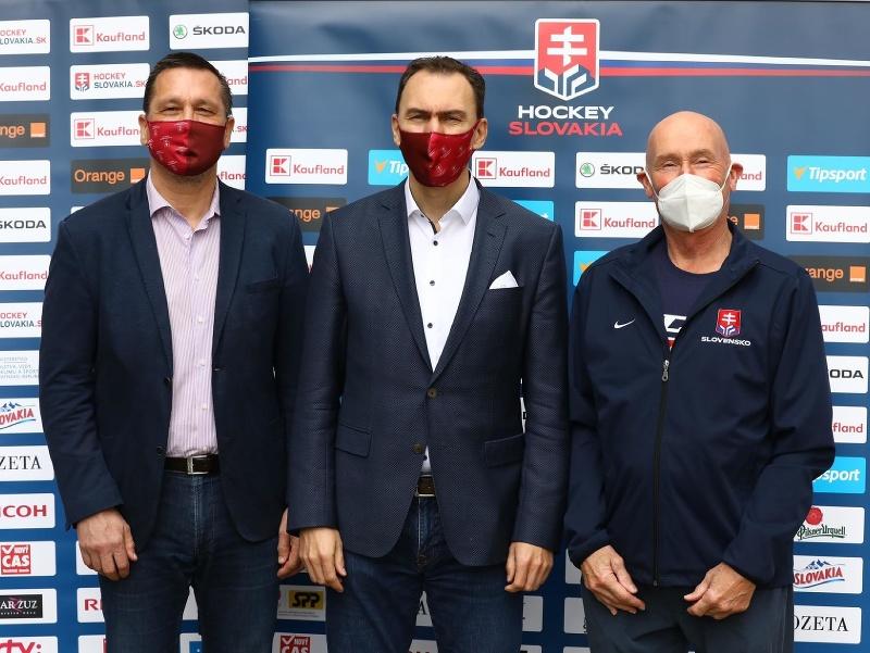 Miroslav Šatan, Oto Haščák a Craig Ramsay na tlačovej konferencii SZĽH