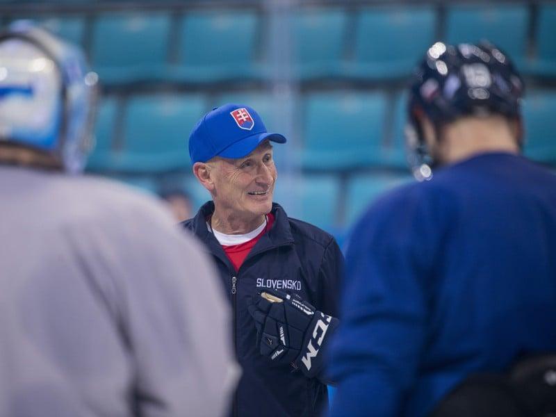 Tréner Craig Ramsay na tréningu Slovákov