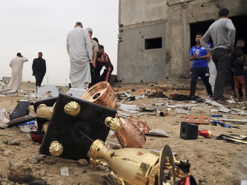 Piatkový samovražedný teroristický útok na futbalovom štadióne