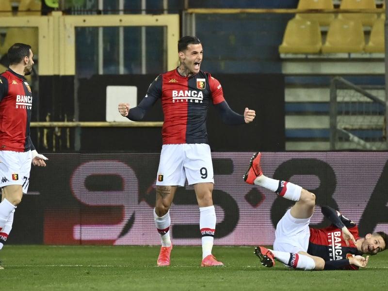 Gianluca Scamacca oslavuje gól