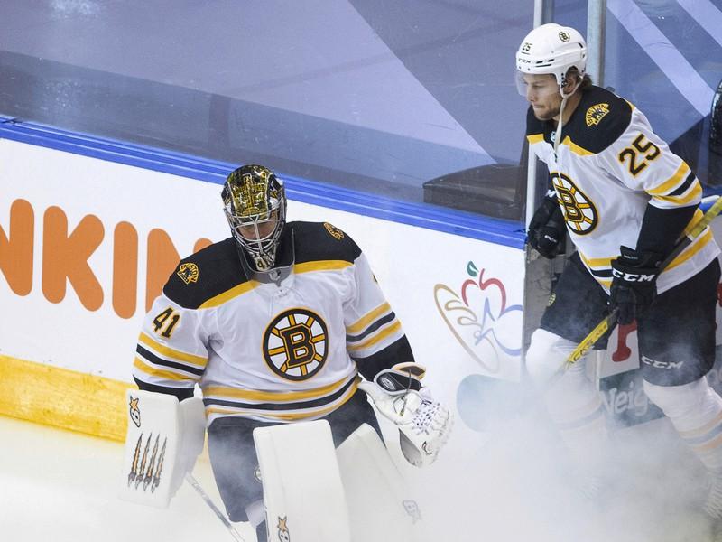 Slovenský brankár Jaroslav Haák z Bostonu Bruins