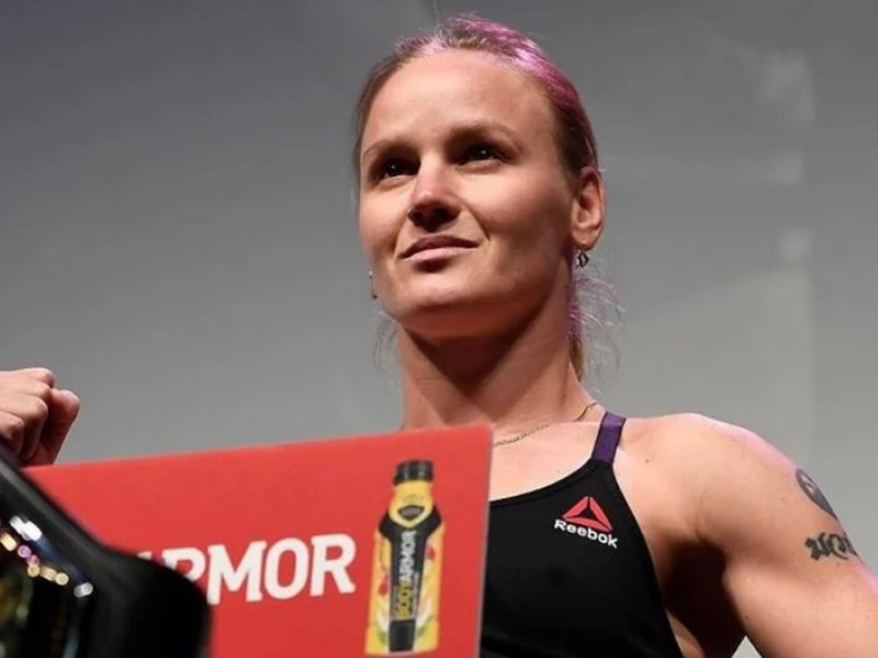 V predhlavnom zápase večera Jennifer Maia vyzve suverénnu šampiónku Valentinu Shevchenko