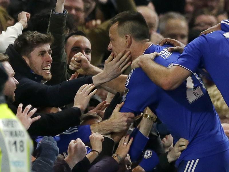 John Terry oslavuje vyrovnávajúci gól