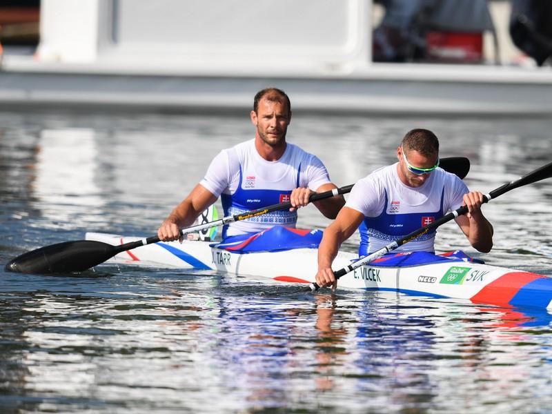 : Slovenskí reprezentanti v rýchlostnej kanoistike Erik Vlček a Juraj Tarr