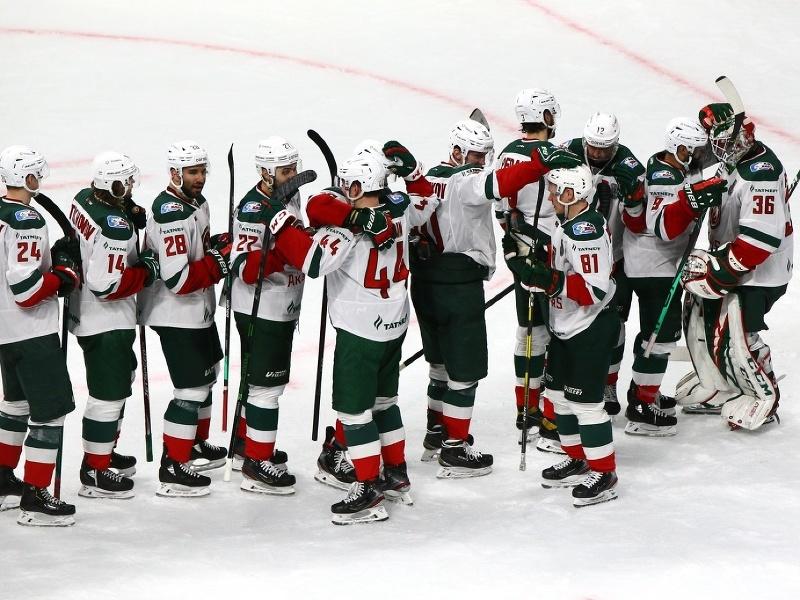 Víťazné oslavy hokejistov Ak Bars Kazaň