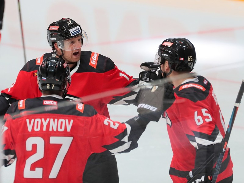 Gólové oslavy hokejistov Avangard Omsk