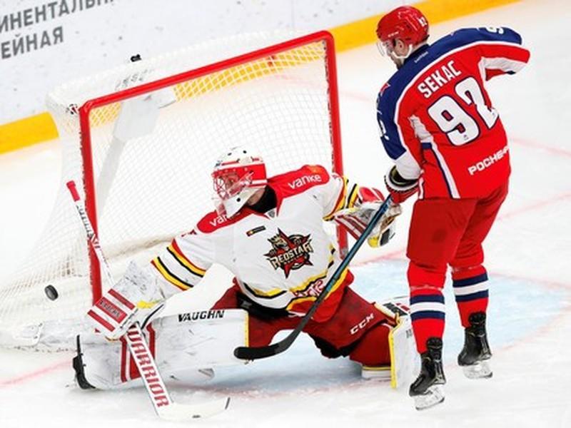 Jiří Sekáč počas zápasu KHL