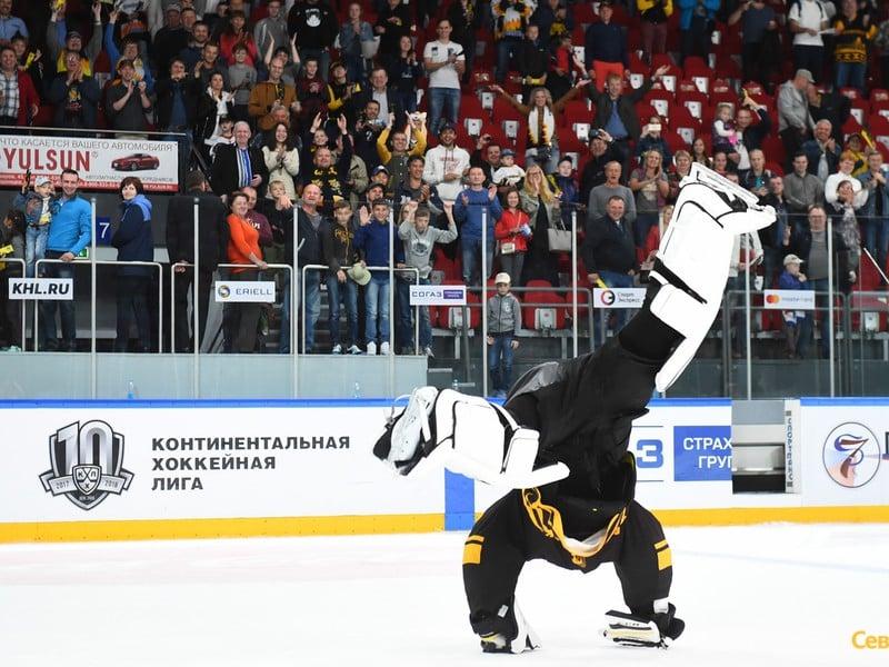 Július Hudáček po prvom triumfe v KHL predviedol parádnu HudaShow