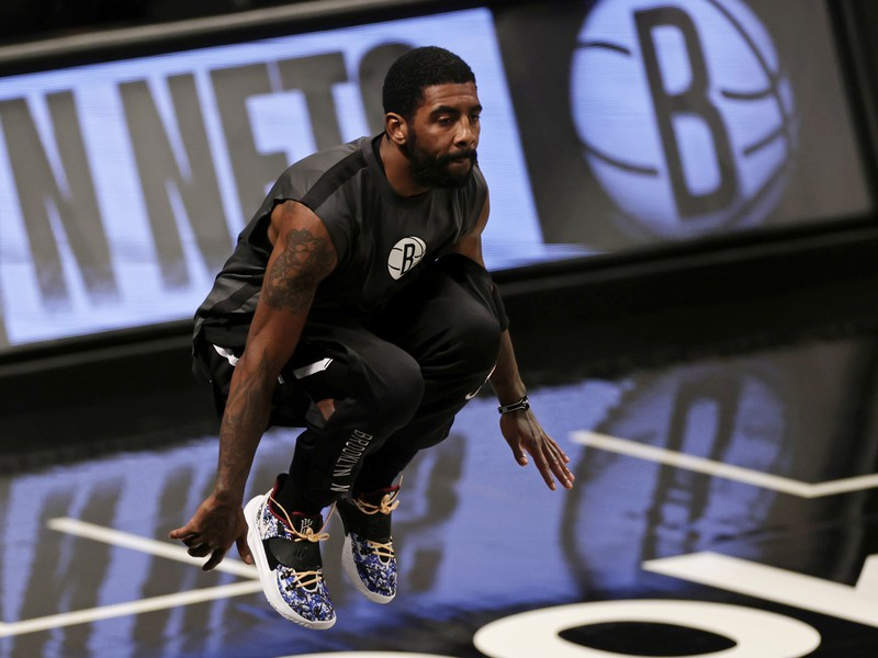 Americký basketbalista Kyrie Irving
