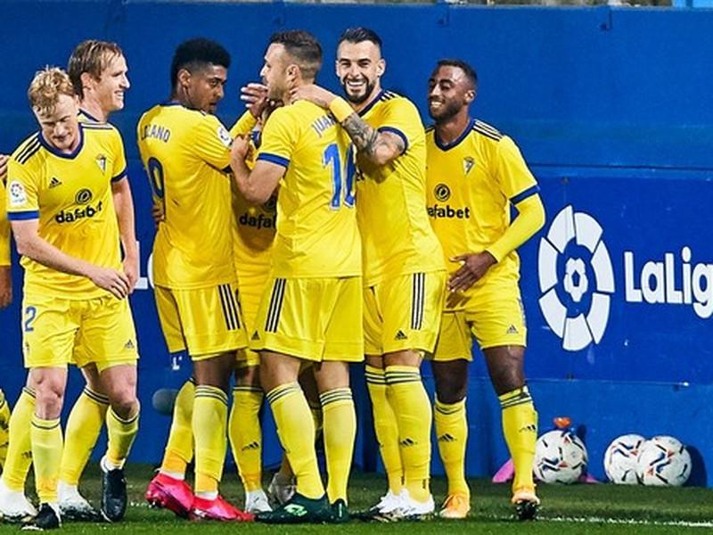 Futbalistu Cadizu sa radujú zo streleného gólu