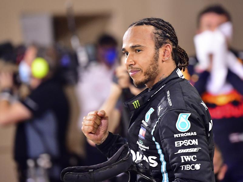 Britský jazdec F1 Lewis Hamilton