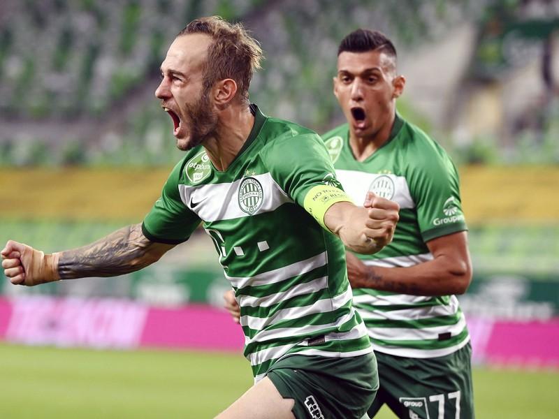 Hráči Ferencvárosu Budapešť sa radujú z gólu