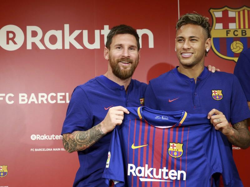 Lionel Messi a Neymar predstavili nové dresy Barcelony