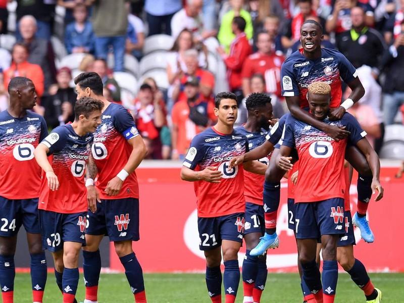Radujúci sa futbalisti LOSC Lille