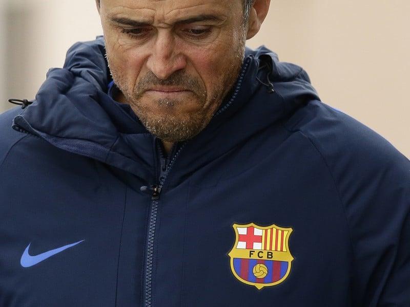 Zamyslený tréner Barcelony Luis Enrique