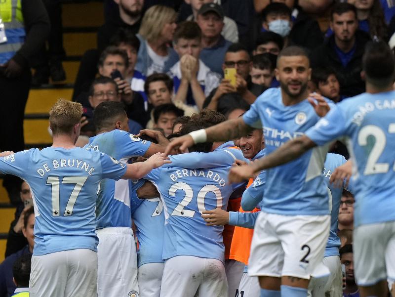 Gabriel Jesus oslavuje gól so spoluhráčmi