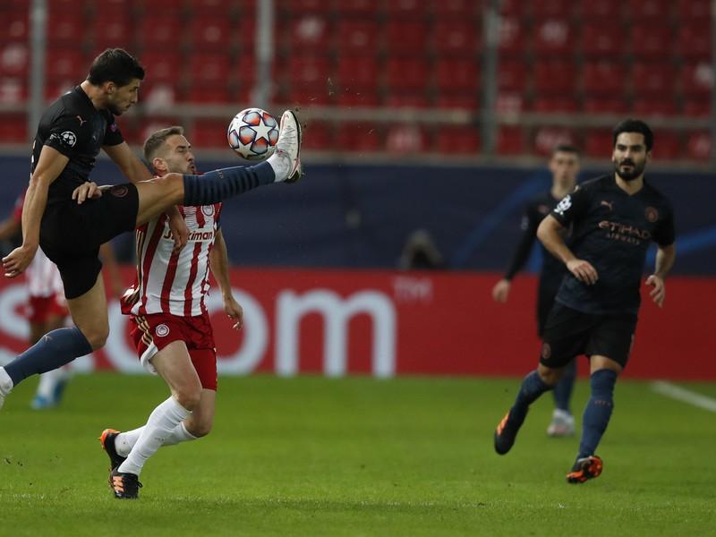 Ruben Dias a Kostas Fortounis