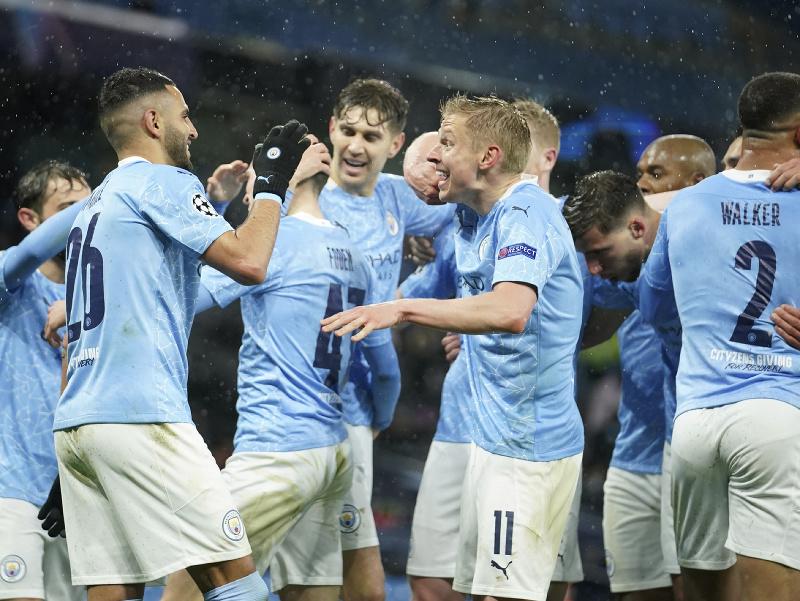 Futbalisti Manchestru City počas osláv