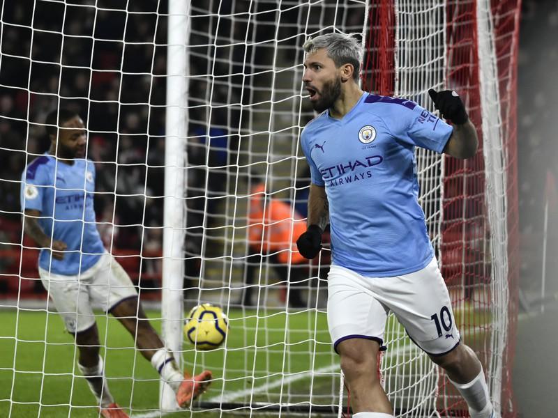 Sergio Aguero oslavuje strelený gól
