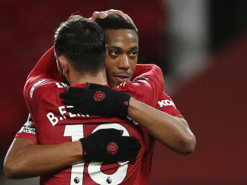 Bruno Fernandes a Anthony Martial sa tešia z gólu