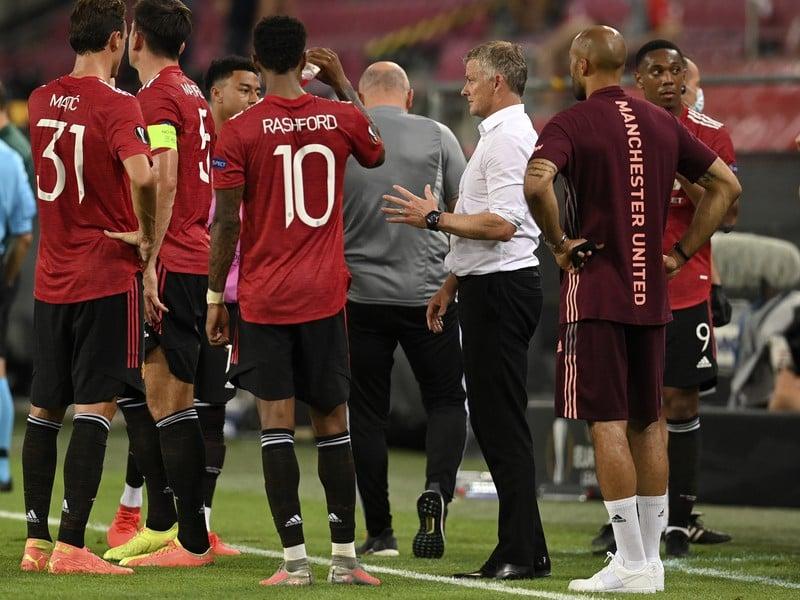 Futbalisti Manchestru United počas prestávky
