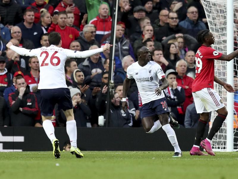 Sadio Mané oslavujúci napokon neuznaný gól