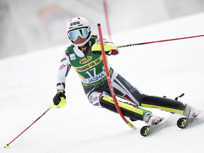 Martina Dubovská na trati počas 1. kola slalomu v Jasnej