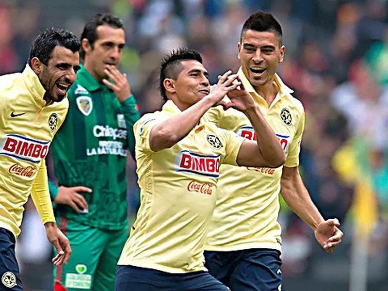 Osvaldo Martínez otvoril skóre súboja naozaj úchvatným gólom