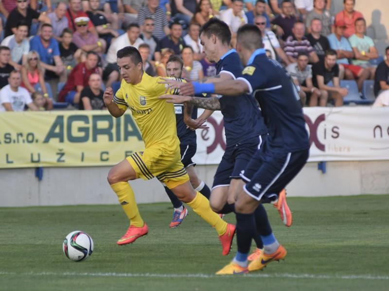Hráč MFK Zemplín Michalovce Stanislav Danko (vľavo) v zápase 4. kola futbalovej Fortuna ligy