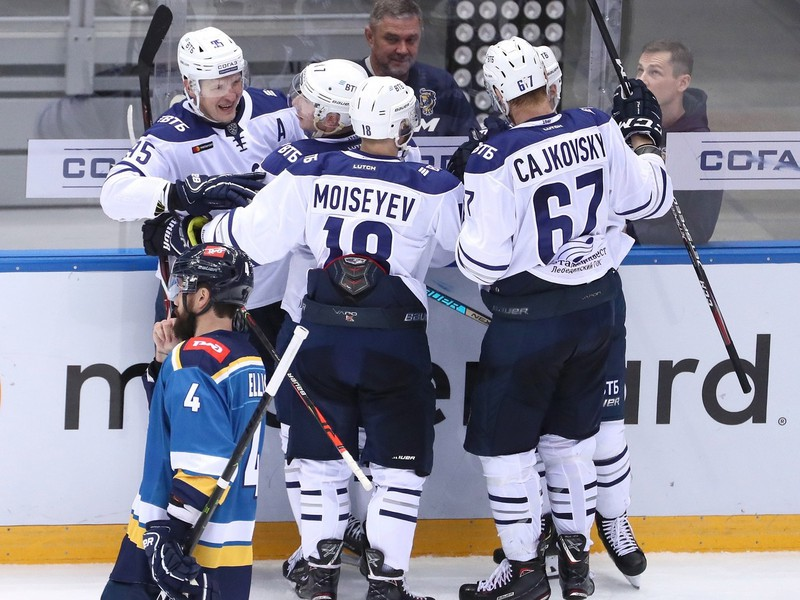 Michal Čajkovský sa raduje z gólu