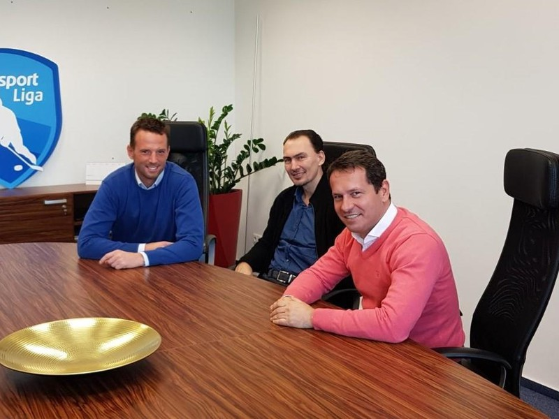 Richard Lintner, Martin Kohút a Miroslav Šatan diskutovali za jedným stolom