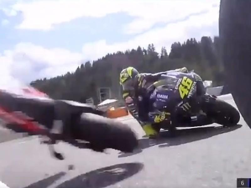 Valentina Rossiho takmer zabila letiaca motorka