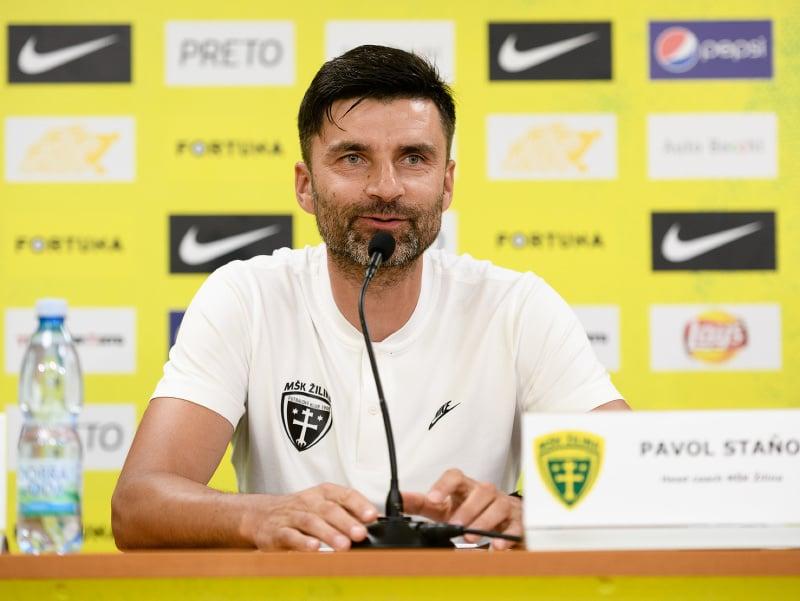 Hlavný tréner MŠK Žilina Pavol Staňo počas tlačovej konferencie