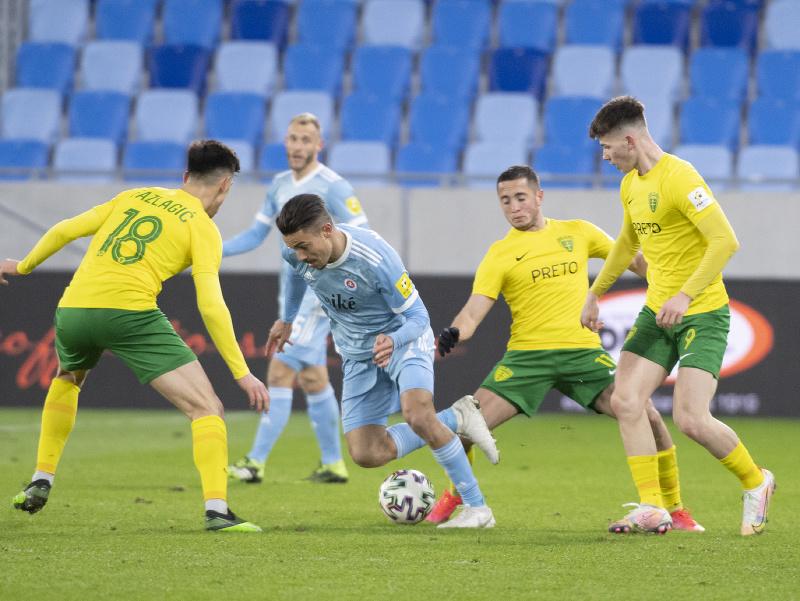 Momentka zo zápasu medzi Slovanom Bratislava a Žilinou