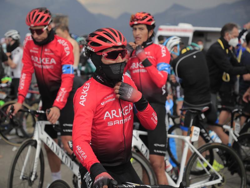 Nairo Quintana so spolujazdcami z tímu Arkéa-Samsic