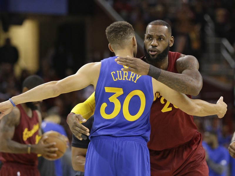 Stephen Curry a LeBron James