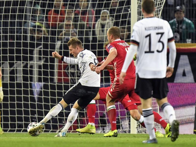 Toni Kroos dáva gól