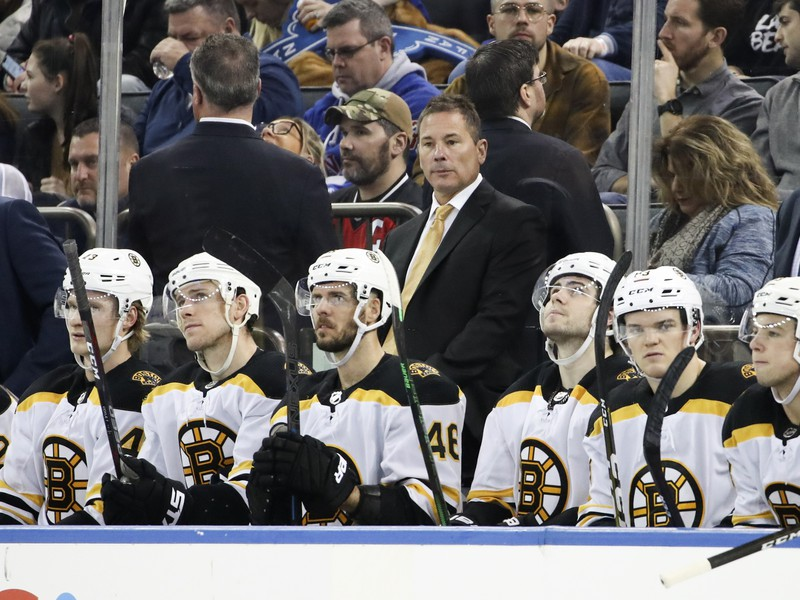 Tréner Bruce Cassidy a jeho tím Boston Bruins