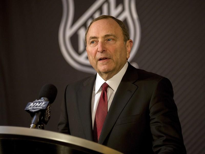 Komisár zámorskej hokejovej NHL Gary Bettman