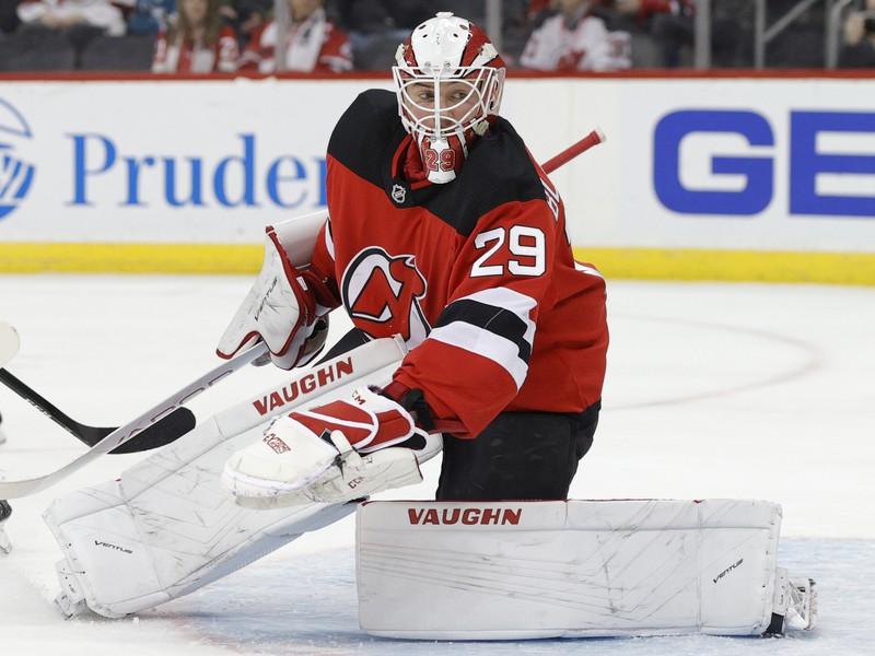Mackenzie Blackwood v drese New Jersey Devils