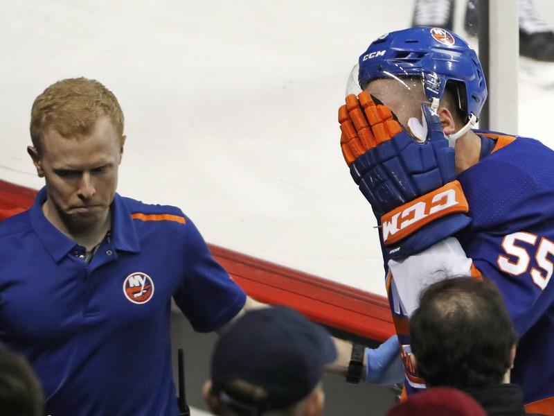 Johnny Boychuk utrpel nepríjemné zranenie