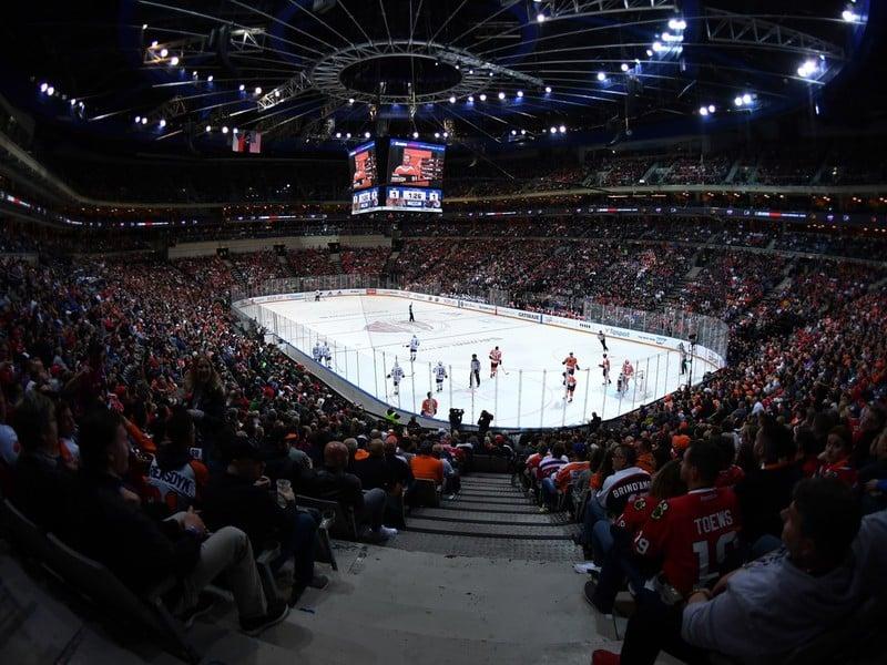 Tribúny O2 arény v Prahe počas zápasu NHL