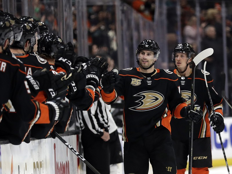 Hokejisti Anaheimu sa tešili z víťazstva nad San Jose.