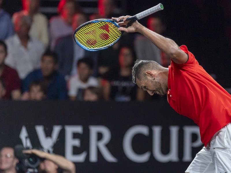 Nick Kyrgios v súboji s Federerom neudržal nervy na uzde