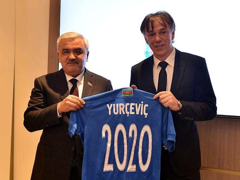 Nikola Jurčevič (vpravo)