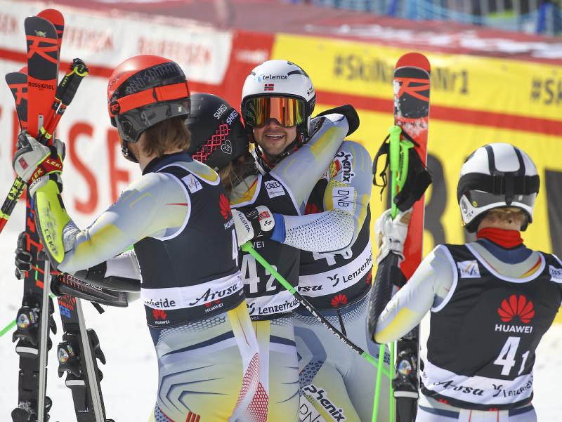 Nórski lyžiari ovládli tímovú súťaž v Lenzerheide