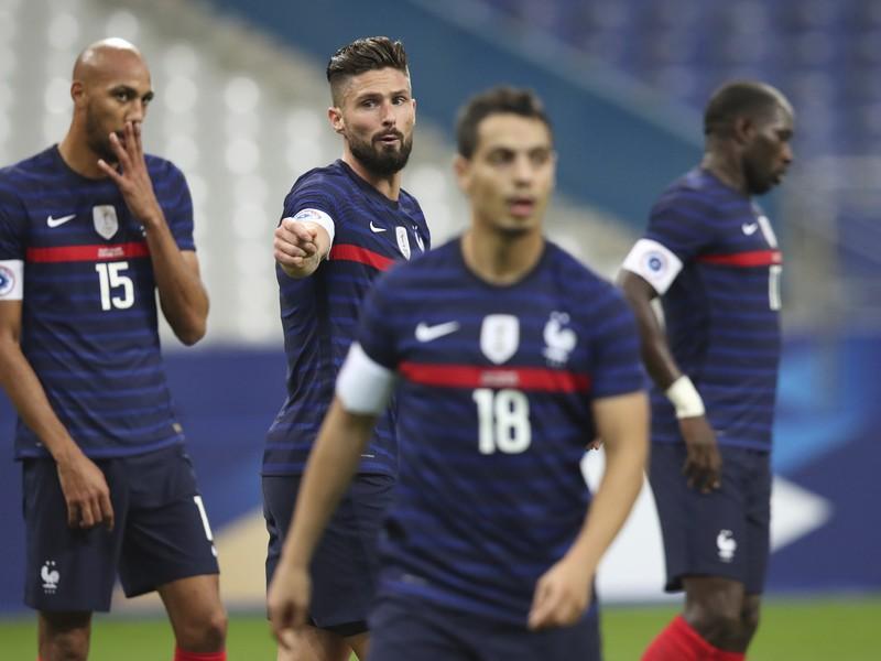 Olivier Giroud (v strede) a ďalšie hviezdy Francúzska