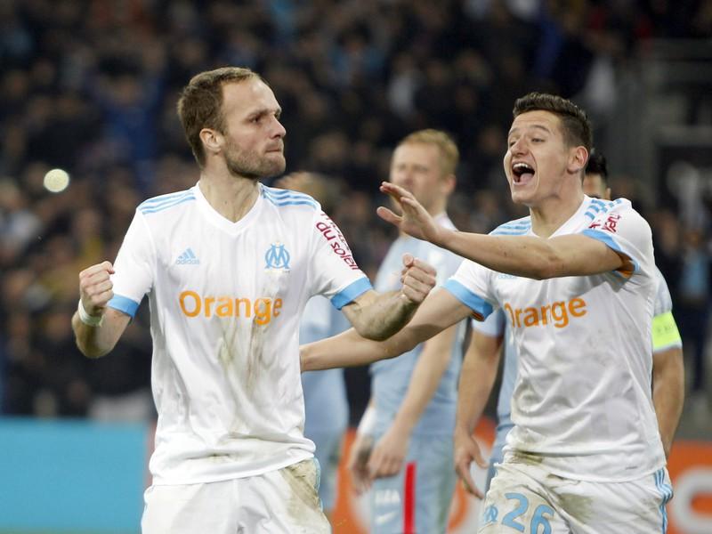 Hráči Marseille a ich oslava gólu