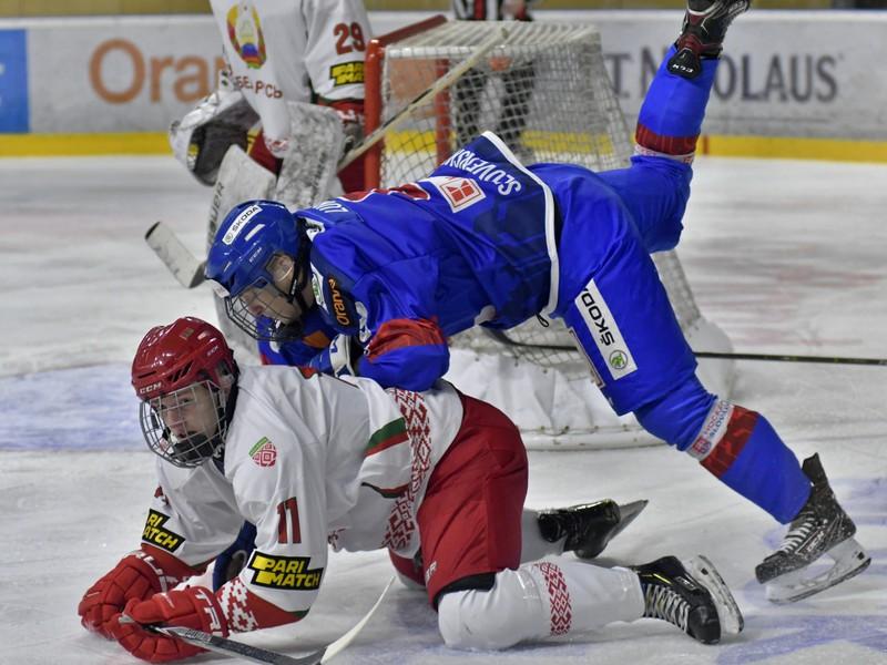 Adam Lukošík a dole Vladislav Shilo