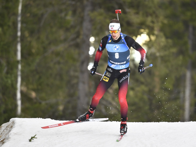 Nórsky biatlonista Sturla Holm Lægreid